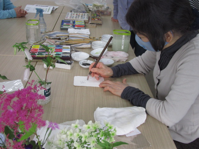 野花を描く